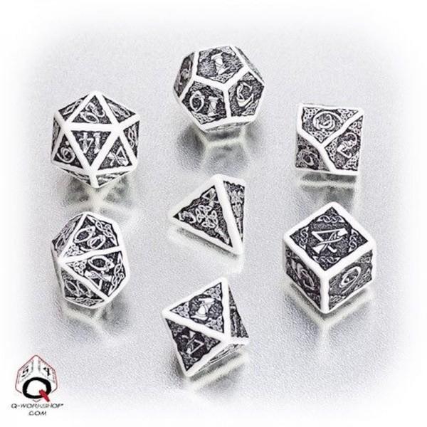Celtic 3D Dice White/Black (7)