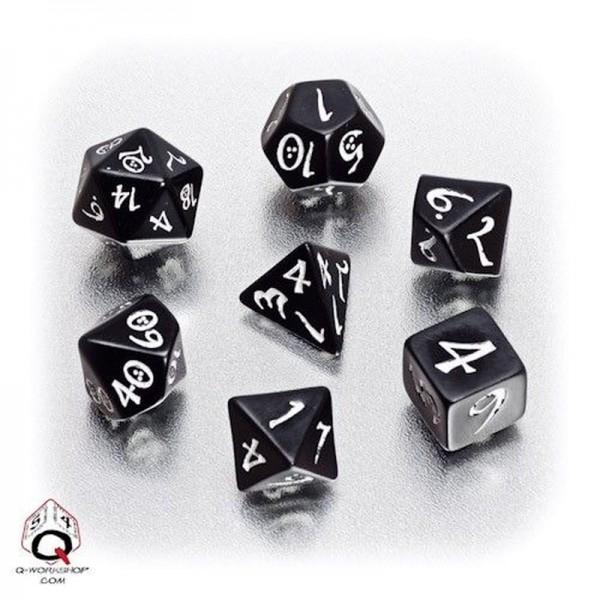 Classic RPG Dice Black/White (7)